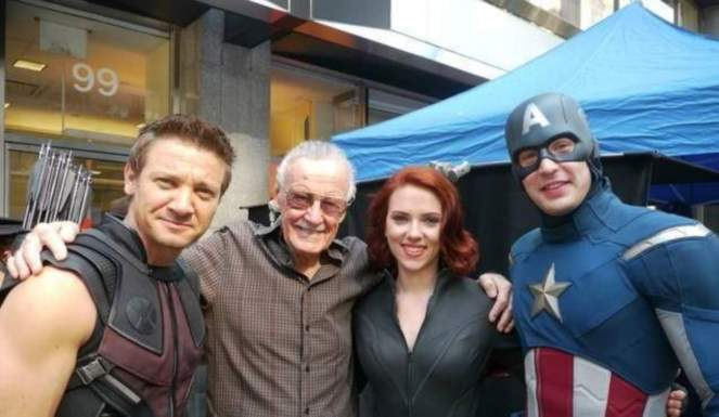 marvel-avengers-stars-celebrate-stan-lee-95th-birthday-1069937-1280x0